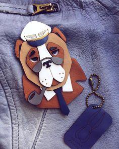 Бодрого утра☀️желаем вам я и исключительно серьезный mr. Aviator   Пристегните ремни, мы полетели в новый день✈️ Крупная брошь 7•10 #uliana_zaikina #accessories #leather #handmade #brooch #dog #animals #cool #art #design #pilot #aviation #rayban #ульяназайкина #авторскиеукрашения #украшенияизкожи #эксклюзивныеподарки #брошьручнойработы #брошь #пес #собака #пилот #капитан #екатеринбург #москва