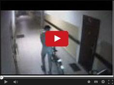 Ukradł rower w majtkach w serwisie www.smiesznefilmy.net tylko tutaj: http://www.smiesznefilmy.net/ukradl-rower-w-majtkach