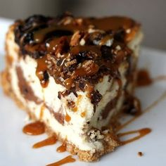 Turtle Cheesecake |  OH my heart just stopped...yum!!! Now I've got to pull my hiney off the couch and find some chocolate!