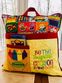 Reading/Activity Pillow/Children Pocket Pillow Discover free & Bargain Books daily at Pillow Embroidery, Machine Embroidery Patterns, Embroidery Ideas, Applique Pillows, Pillow Patterns, Embroidery Thread, Book Pillow, Reading Pillow, Home Design