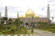 Masjid Dian Al-Mahri (Masjid Kubah Emas Depok), Indonesia