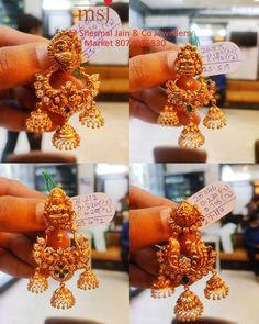 Jewelry Design Earrings, Gold Earrings Designs, Jhumka Designs, Gold Designs, Ear Jewelry, Necklace Designs, Jewelry Bracelets, Indian Jewellery Design, Jewellery Designs