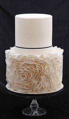 'Vera Ruffles' Wedding Cake