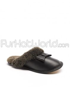 6575ddc5609033 Ladies Carrie Napa Bow Sheepskin Slipper in Black