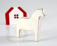 Skandinavischen Dala Pferd Holzspielzeug von DesignAtelierArticle, $13.93