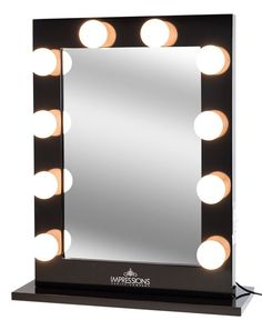 DIY VANITY MIRROR - A lighted vanity mirror table is on every girl's shopping list. It is usually seen on style television shows where a make-up artist deal Best Vanity Mirror, Diy Vanity Mirror With Lights, Mirrors For Makeup, Vanity Set, Mirror Ideas, Bulb Mirror, Vanity Mirrors, Vanity Decor, Bathroom Tile Designs