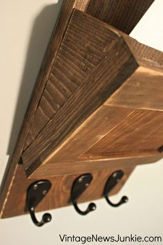 Wood Mail Sorter Build Plan and Tutorial. Very well laid out! I'm totally making this! Repurposed Furniture, Diy Furniture, Pub Interior, Mail Sorter, Wooden Diy, Diy Wood, Pallet Art, Wooden Letters, Diy Organization