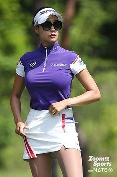 Ladies of Golf rocking those tights! Girls Golf, Ladies Golf, Sexy Golf, Workwear Fashion, Golf Fashion, Fashion Blogs, Fashion Fashion, Fashion Trends, Sporty Girls