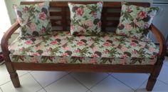Fabricação de almofadas para o assento e encosto.