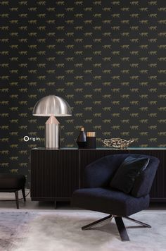 Adorn your walls with this elegant, eye-catching wallpaper with panthers in black and gold. This surface printed wallpaper has a beautiful matte surface and is perfect for creating a stylish accent wall in a modern interior. Animal Print Wallpaper, Kids Wallpaper, Wall Wallpaper, Wallpaper Suppliers, Golden Wallpaper, Golden Pattern, Piece A Vivre, Pent House