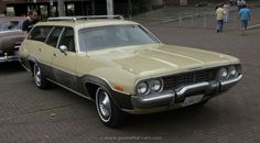 1973 Plymouth Satellite Regent wagon right front