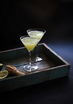 This cocktail recipe—A Walk in the Weeds—has a surprising and totally delicious ingredient that's perfect for springtime (or Earth Day!) sipping | Reclaiming Provincial