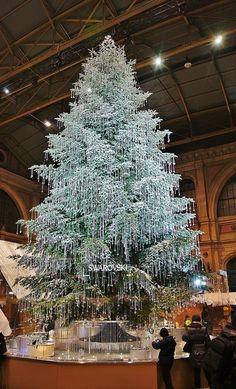 .Swarovski Christmas Tree displayed in Zurich's Christmas Markets 2011