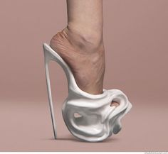 I just stumbled across this lol Safa Sahin whipped cream shoes. Creative Shoes, Unique Shoes, Funny Shoes, Weird Shoes, Print 3d, Crazy Heels, Shoe Boots, Shoes Heels, High Heels