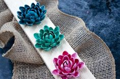 These pistachio flowers are cute and easy to make. They're the perfect addition to any shabby chic or rustic decor.  Glue them on a cute sign or just use them a…