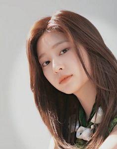 Japanese Girl Group, Kim Min, Kpop Girls, Ulzzang, Girlfriends, Asian Girl, Poses, Overlays, Beauty