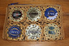 Perfect wallet for a night on the town - Turkish beer bottle caps crocheted together to make this cool piece 20 TL, 7 euro Beer Bottle Caps, Cool Stuff, Euro, How To Make, Wallet, Coin Purses, Beer, Flasks, Night