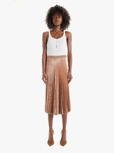 The Queen pleated skirt from XiRENA in a glistening bronze with a body-skimming shape. We bow down. Style No. T833-611-NOC, X08748