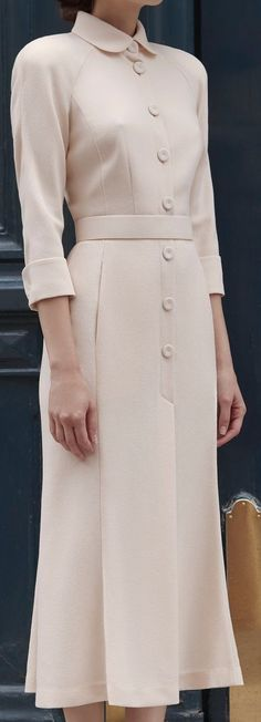 Ideas for dress elegant 2019 Look Fashion, Timeless Fashion, Trendy Fashion, Womens Fashion, Fashion Design, Fashion Fall, Elegant Dresses, Vintage Dresses, Vintage Outfits