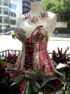 """Coke Can Art. I like the """"necklace flowers"""" for a suncatcher in the garden."""