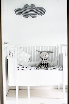 cuna blanca de bebe