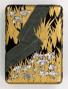 Writing Box with 8 Bridges by OGATA Kourin. National Treasure of Japan Edo Period C. Korean Painting, Japanese Painting, Japanese Prints, Japanese Design, Natsume, Traditional Japanese Art, Japanese Flowers, National Treasure, Japanese Screen