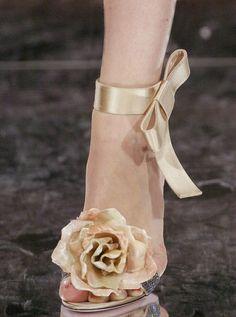 Stunning rose wedding heel