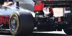 """""""Es mucho más rápido en las curvas, la fuerza que sientes en tu cuerpo y en tu cuello es mucho mayor. Tengo moretones y golpes donde nunca los tuve antes"""". Lewis Hamilton después de haber conducido los nuevos F1"""