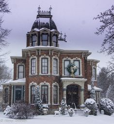 architecture - Victorian Home Goderich Victorian Architecture, Beautiful Architecture, Beautiful Buildings, Beautiful Homes, Spanish Architecture, Victorian Style Homes, Victorian Decor, Victorian Era, Old Mansions