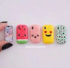 Mini phonecases Fimo Kawaii, Polymer Clay Kawaii, Kawaii Crafts, Kawaii Diy, Polymer Clay Charms, Cute Crafts, Doll Crafts, Diy Doll, Mini Choses