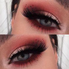 lady-n-white - - Giz Eye Makeup Tips, Makeup Blog, Makeup Goals, Makeup Inspo, Makeup Inspiration, Beauty Makeup, Hair Makeup, Gold Makeup, Style Inspiration