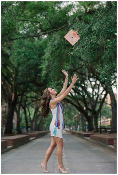 Senior Portrait / Photo / Picture Idea - Girls - Cap & Gown - Toss Source by wlbpublic. College Senior Pictures, Graduation Picture Poses, College Graduation Pictures, Graduation Portraits, Graduation Photoshoot, Graduation Photography, Grad Pics, Grad Pictures, Graduation Ideas