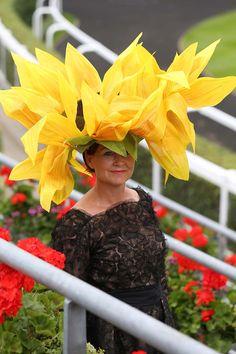 The 2014 Royal  #sombrero #pamela #espectacular #curioso #amarillo