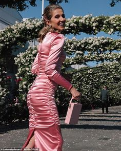 Kate Waterhouse shines in a hard to pull off satin ruched dress at the Oaks Day races in Melbourne | Daily Mail Online