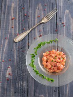 Tartare di salmone al pepe rosa