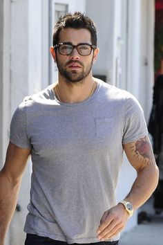 Jesse Metcalfe in West Hollywood | Tom & Lorenzo Fabulous & Opinionated