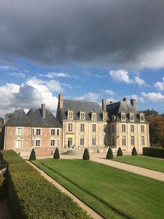 New house luxury mansions chateaus ideas Villas, Saint Aubin, Townhouse Designs, Château Fort, Castle House, English House, Grand Homes, House Blueprints, French Chateau