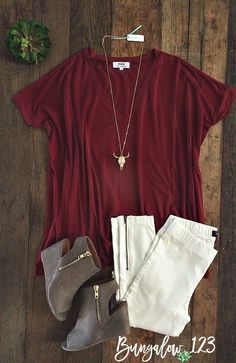 Super-soft V-neck Piko Tee in Wine. Shown with the Danica Moto Jeggings in White, Longhorn Necklace, and the Hyatte Booties. Teen Fashion, Fashion Outfits, Fasion, Piko Dress, Fall Outfits, Cute Outfits, Complete Outfits, Types Of Fashion Styles, Fashion Addict