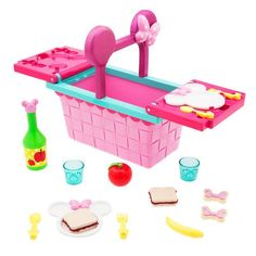 Your favourite Disney mouse has packed a picnic especially for your little one with our Minnie Mouse Picnic Basket Playset! Little Girl Toys, Baby Girl Toys, Toys For Girls, Baby Dolls, Toddler Toys, Kids Toys, Minnie Mouse Kitchen, Minnie Mouse Toys, Baby Doll Nursery
