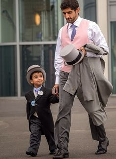 Awwww, too much cuteness!!!! Crown Prince Hamdan of Dubai and his little son at the Ascot.