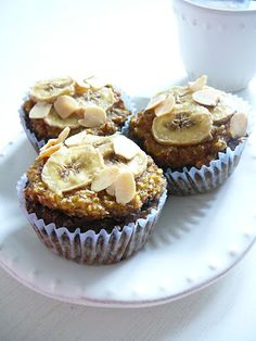 Delicious blog: Banánovo-mandlové muffiny Delicious Blog, Almond Muffins, Cupcakes, Sweets, Cooking, Healthy, Breakfast, Fit, Healthier Desserts
