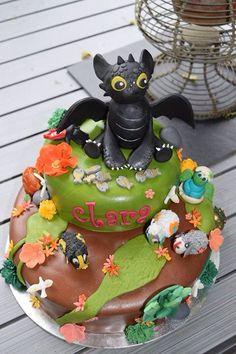 Toothless cake, dragon cake Gateau dragon, croque mou