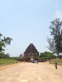 """See 90 photos and 13 tips from 255 visitors to Konark Sun Temple. """"One of the best places on earth! And on the way from Puri there is amazing stone. God Jesus, Destiny, Temple, Places To Go, Tourism, Dolores Park, Sidewalk, Sun, Architecture"""