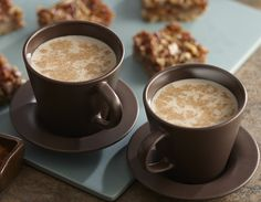 Make a homemade Pumpkin Pie Spice Latte with Pumpkin Pie Spice and a few tablespoonfuls of canned pumpkin puree. #recipe