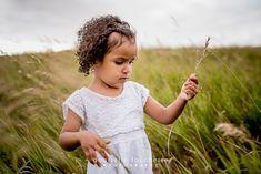 Kastiro Family Photos in Winnipeg – Gabrielle Touchette Photography Two Girls, Family Kids, Family Photos, Portrait Photography, Park, Cute, Beautiful, Family Pictures, Family Photography