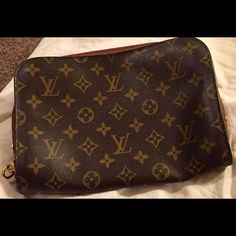 MENS POCHE FOR WALLET--KEYS DOCUMENTS. HOLD! In excellent condition!! No scratches or stains-LIKE NEW CONDITION. MAKE OFFERS BEAUTIFUL PIECE.  NOT FOUND IN STORES ANYMORE. Trade Value $1000 Louis Vuitton Bags Clutches & Wristlets