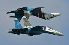 Mirror fly between 2 Sukhoi SU 27