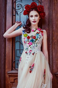 Boldly Boho: Embroidered Wedding dresses with Colourful Florals Embroidered wedding dresses colourful embroidery bridal trend Colored Wedding Dresses, Wedding Colors, Embroidered Wedding Dresses, Boho Dress, Dress Up, Mexican Fashion, Mexican Dresses, Mexican Wedding Dresses, Mode Outfits