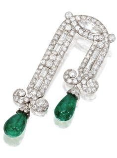 Art Deco Platinum Diamond  & Emerald Brooch 1930