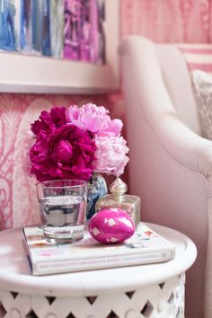 i suwannee: a pink paisley bedroom Pretty Flowers, Pretty In Pink, Paisley Bedroom, Pink Room, Arte Floral, Everything Pink, Decoration, Girly Things, Favorite Color
